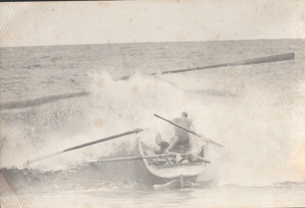 81 OB boat wipe out